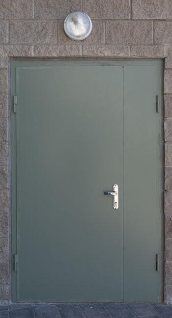 Дверь двухстворчатая в техническое помещение