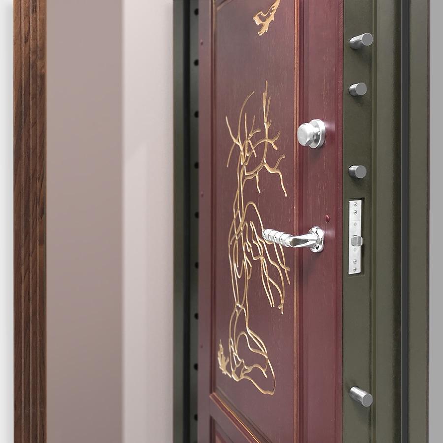 Двери в комнату спасения